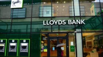 LLoyds Rushes to Fix Flaws that stopped Firms Recieving Covid Loans